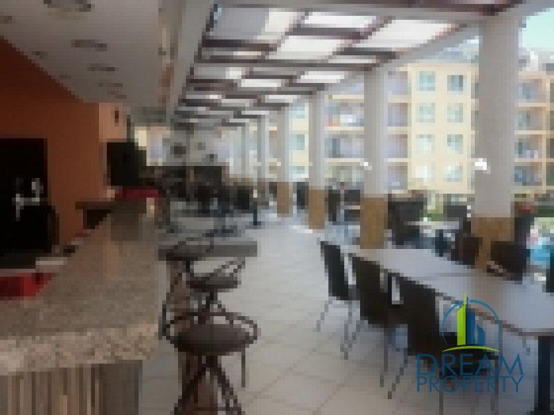125045_17104_restaurant upstairs